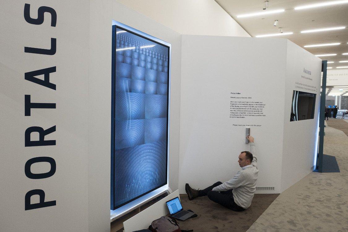 Visualisierung von Daten als Videokunst (Foto: WEF)