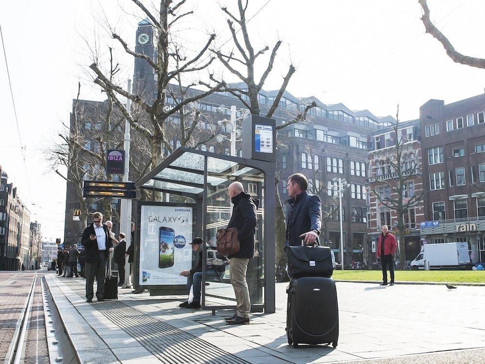 Bushaltestelle von JC Decaux in Amsterdam (Foto JC Decaux)