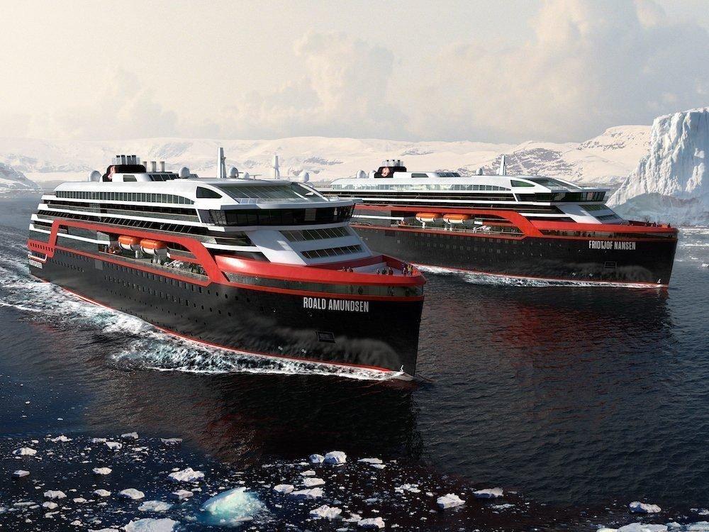 Zwei Schiffe der Hurtigruten-Flotte (Foto: Hurtigruten)