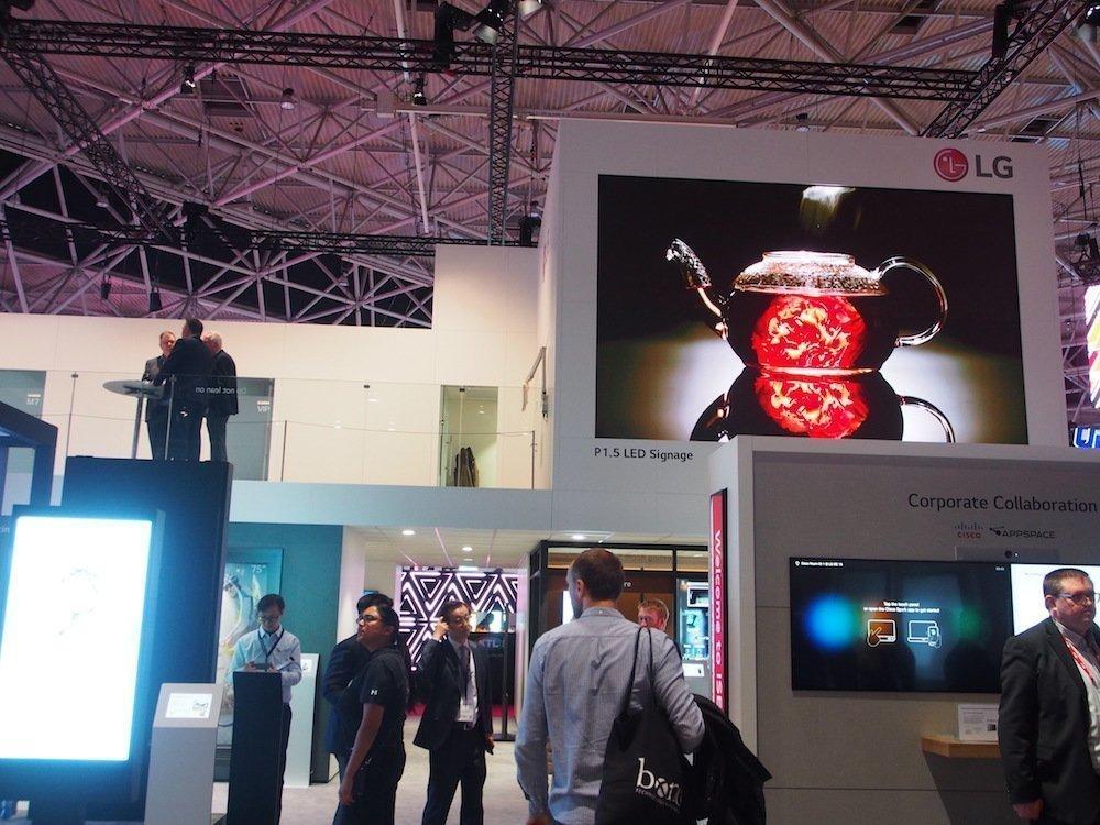 LED Screen am Stand von LG auf der ISE 2018 (Foto: invidis)