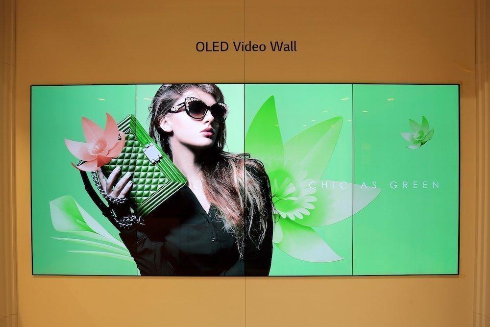 Am Stand vonLG auf der ISE 2018 – OLED Video Wall (Foto: LG)