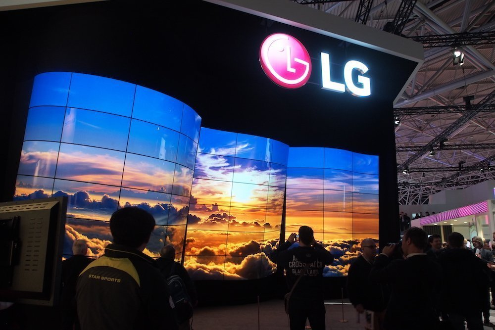 OLED am Stand on LG (Foto: invidis)