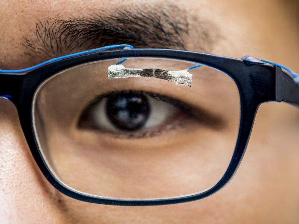 Sensor aus Tissue Papier kuenftige Anwendungen in Healthcare möglich (Foto: Dennis R. Wise, washington.edu)