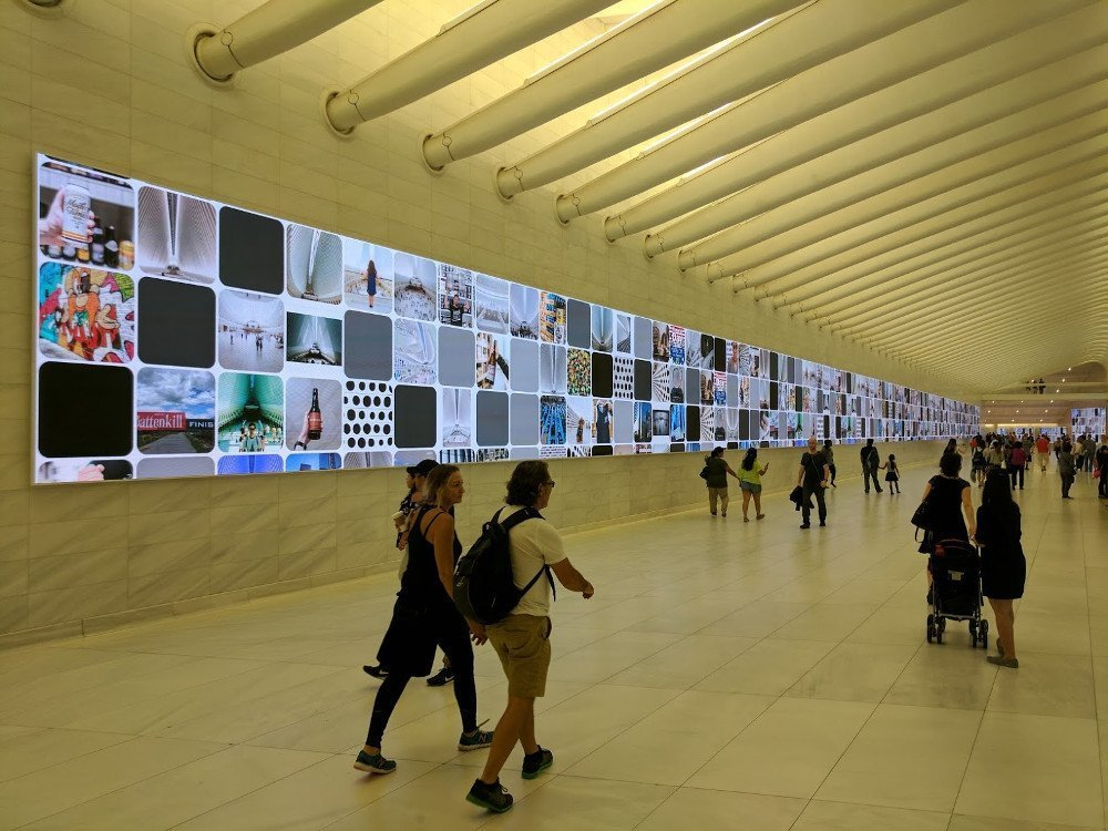 Das Leben ist eine digitale Leinwand - LED in Westfield World Trade Center NYC (Foto: invidis)