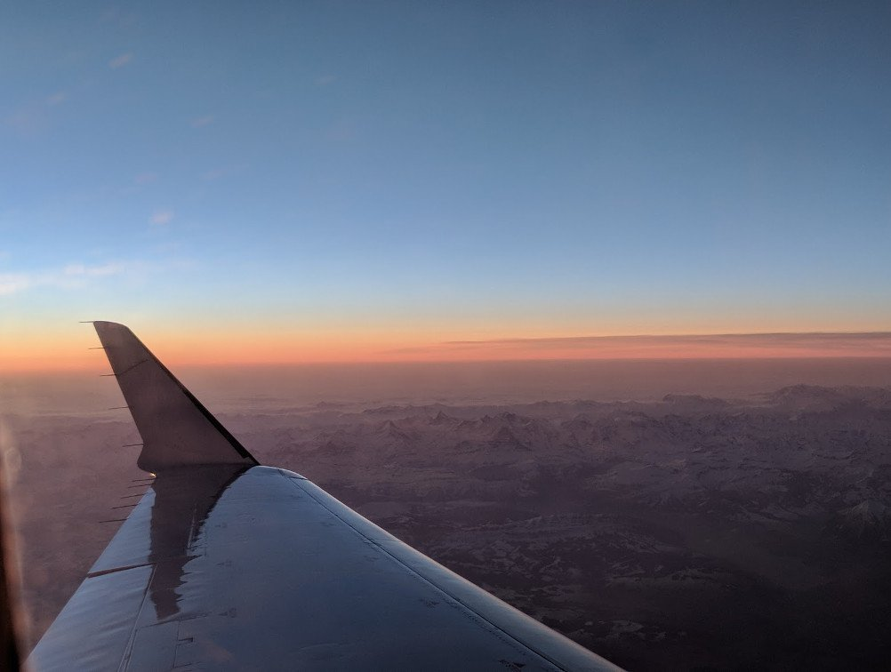 Sonnenaufgang über den Alpen (Foto: invidis)