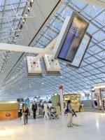Am Airport Charles de Gaulle (CDG) in Paris wurden FIDSScreens des Herstellers verbaut (Foto: Data Modul)