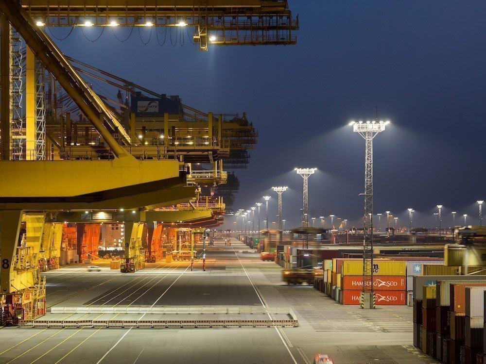 Beleuchtungslösungen von Philips am Hafen Eurogate Bremerhaven (Foto: Philips Lighting)