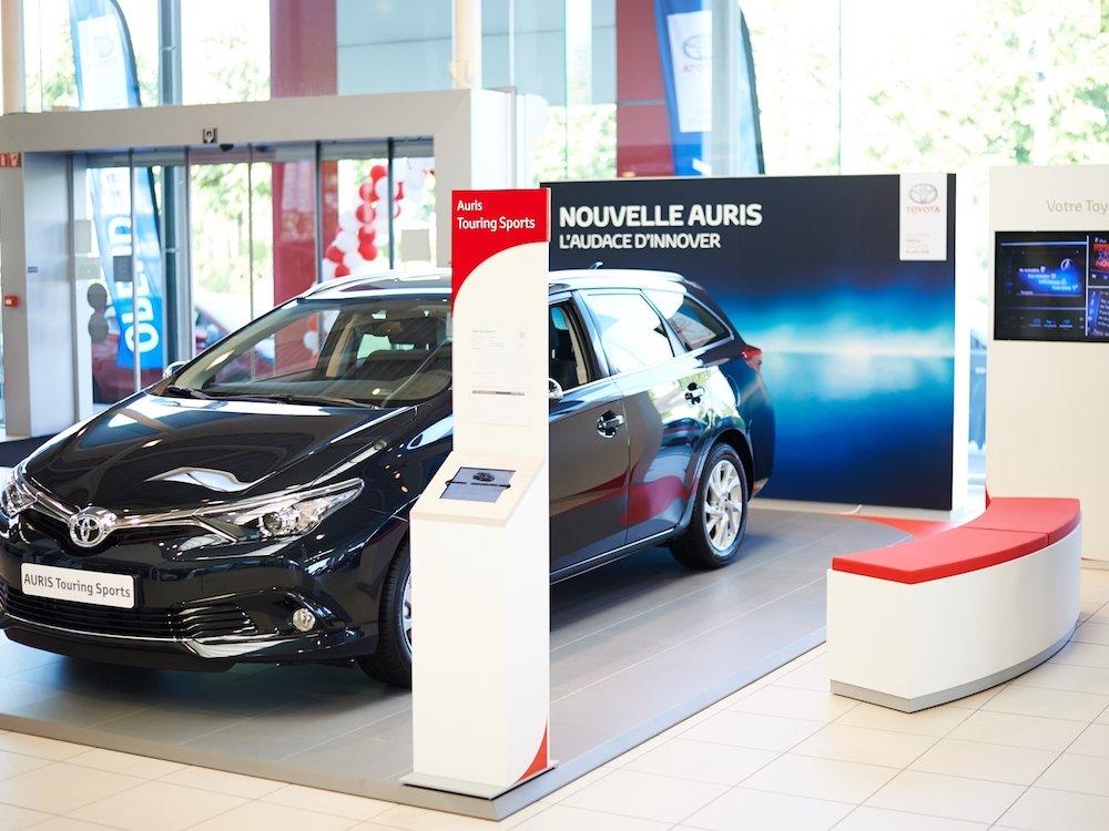 Digital Signage bei Toyota (Foto: Panasonic)