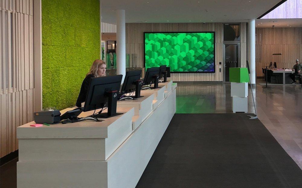 Ein übergroßer Large Format Screen dient als Data Wall (Foto: Visual Art)