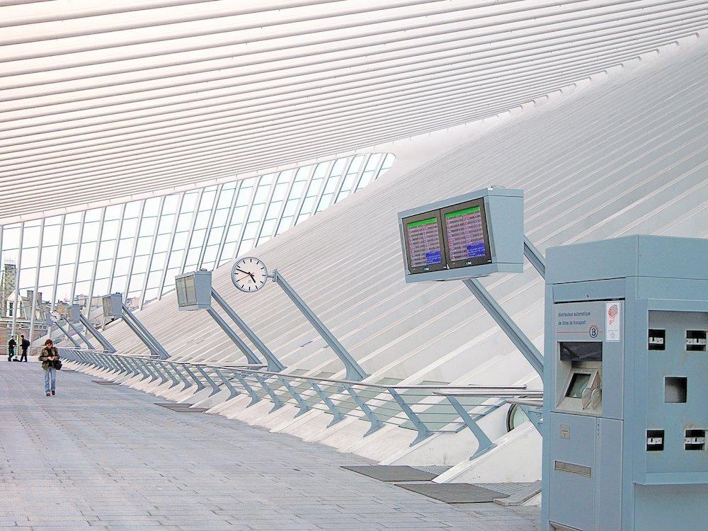 Screens von Data Modul am Hauptbahnhof von Liège in Belgien (Foto: Data Modul)