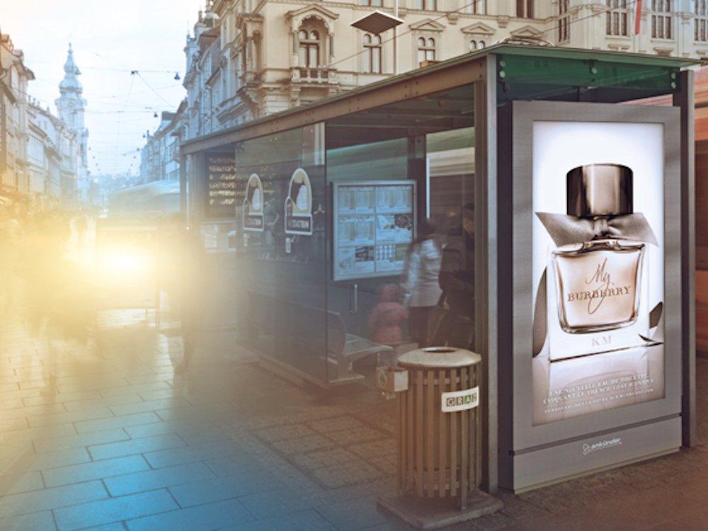 DooH Screen von Ankünder an einer Haltestelle in Graz (Foto: Ankünder)