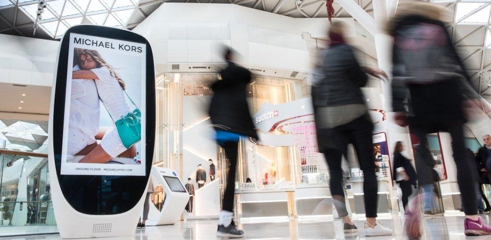 DooH Screens in der Westfield Mall in London (Foto: Exterion Media)