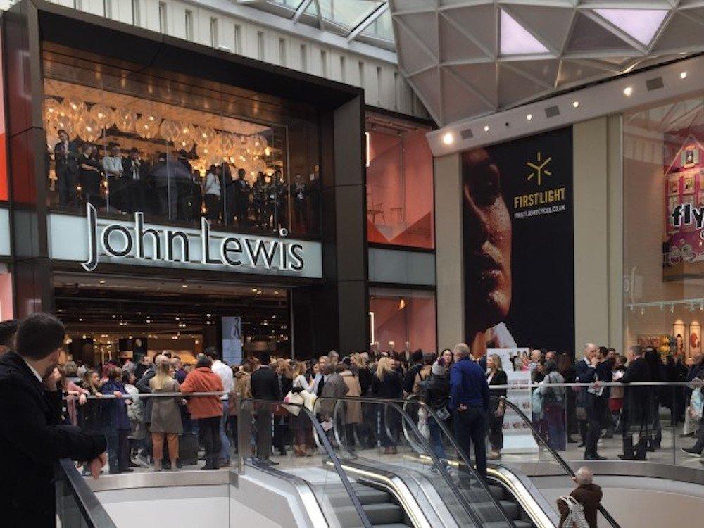 Neuer John Lewis Store in Westfield in London 8Foto. Exterion Media)