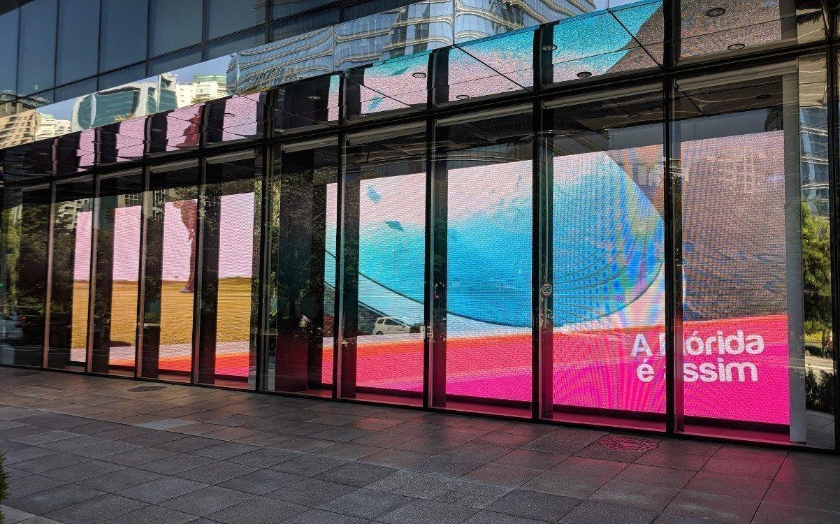 Elemidia Schaufenster LED in der JK Iguatemi (Foto: invidis)