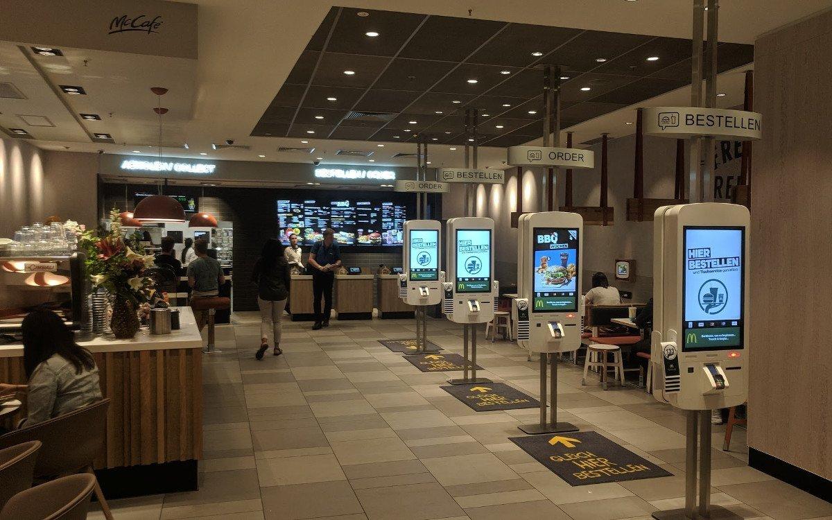 Digitale Touichpoints bei McDonalds (Foto: invidis)