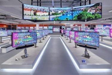 Blick auf die TV-Abteilung des Saturn (Foto: MediaMarkt Saturn Retail Group)