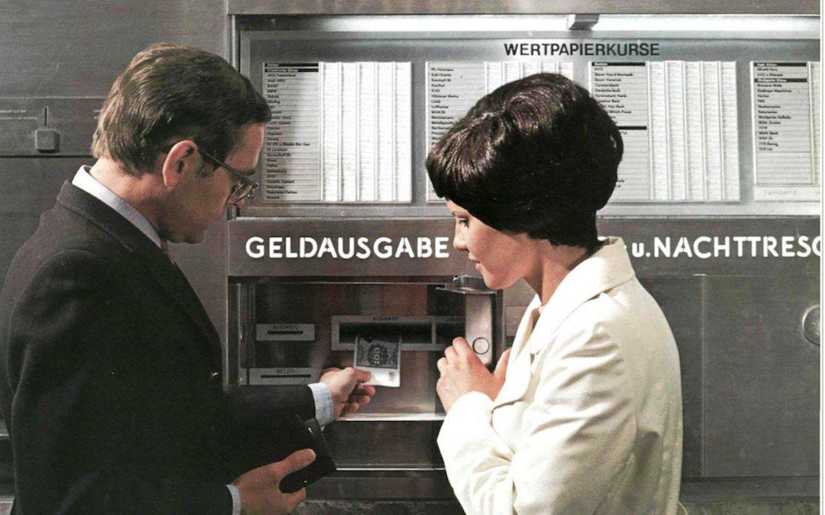 Deutschlands erster Geldautomat bei der Sparkasse in Tübingen (Foto: Ostertag / Kreissparkasse Tübingen)