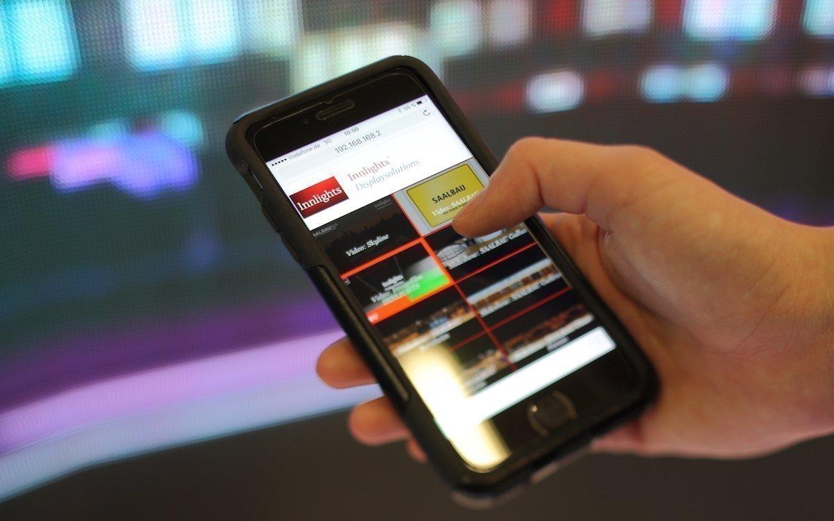 Die Remote Control App im Einsatz (Foto: Innlights Displaysolutions)