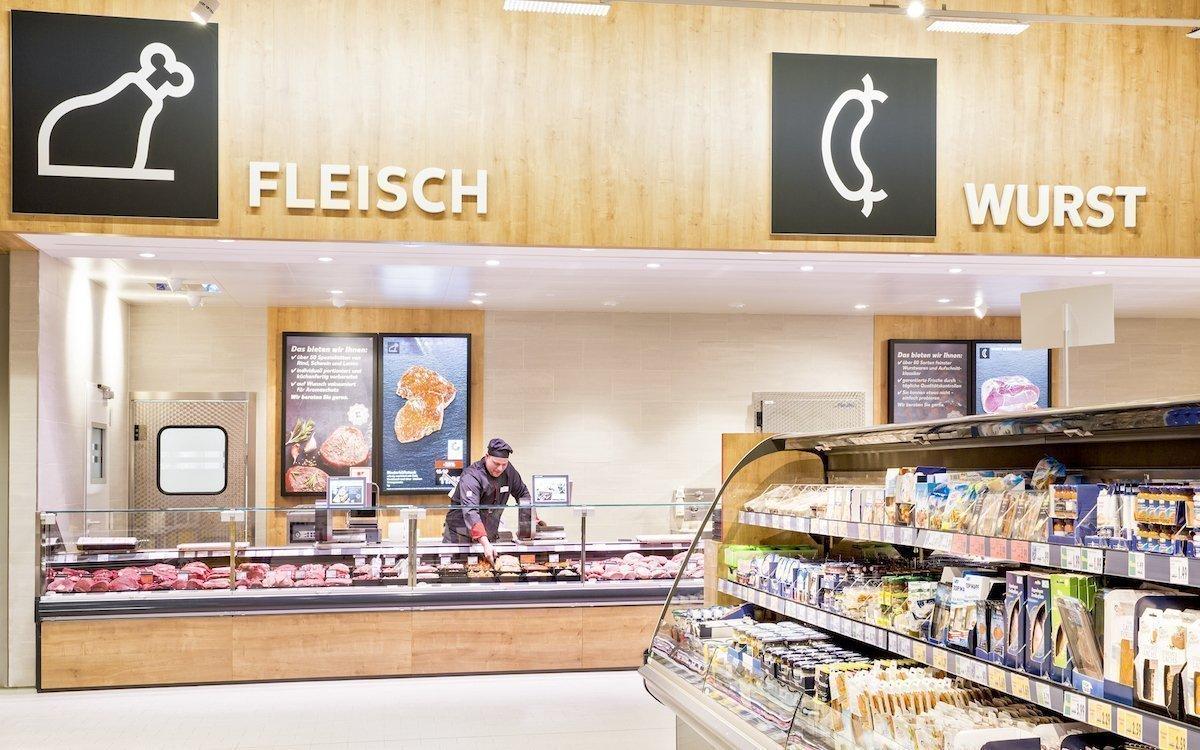 In den neuen Filialen – wie hier in Ilsfeld – rollt Kaufland Digital Signage in einer ganz neuen Dimension aus (Foto: Kaufland)
