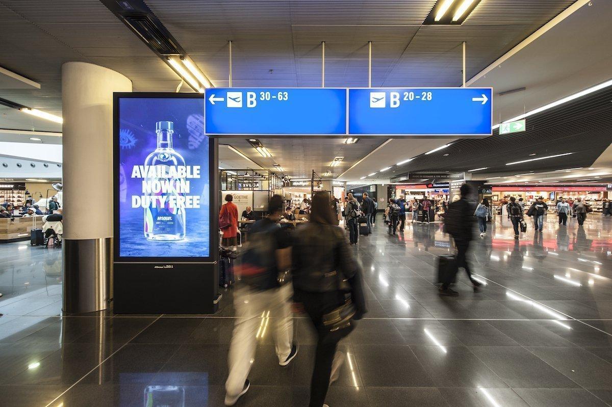 Über die gesamte Customer Journey werden Passagiere von der Marke begleitet (Foto: Media Frankfurt)