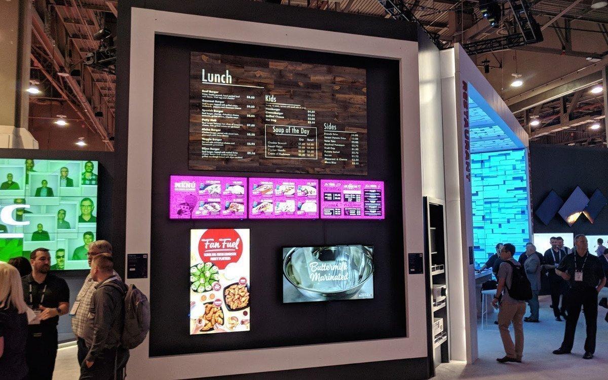 Projektion trifft auf LCD (Foto: invidis)