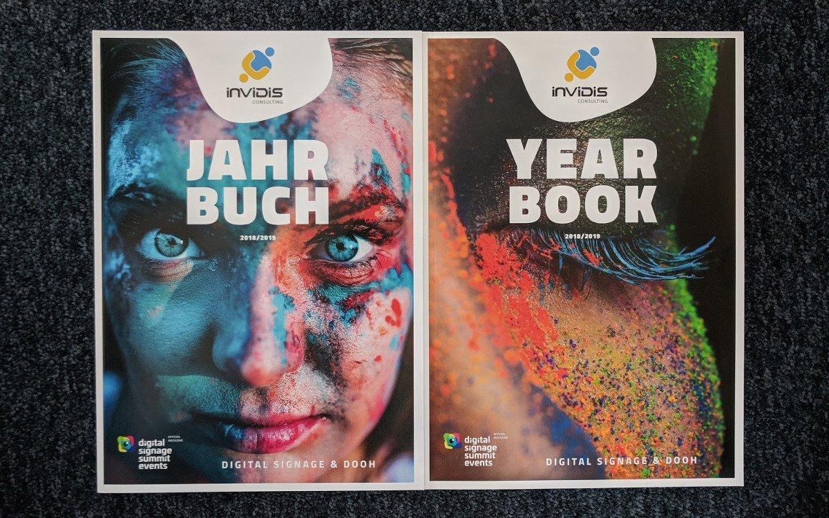 Frisch vom Drucker - invidis Jahrbuch 2018/19 (Foto: invidis)