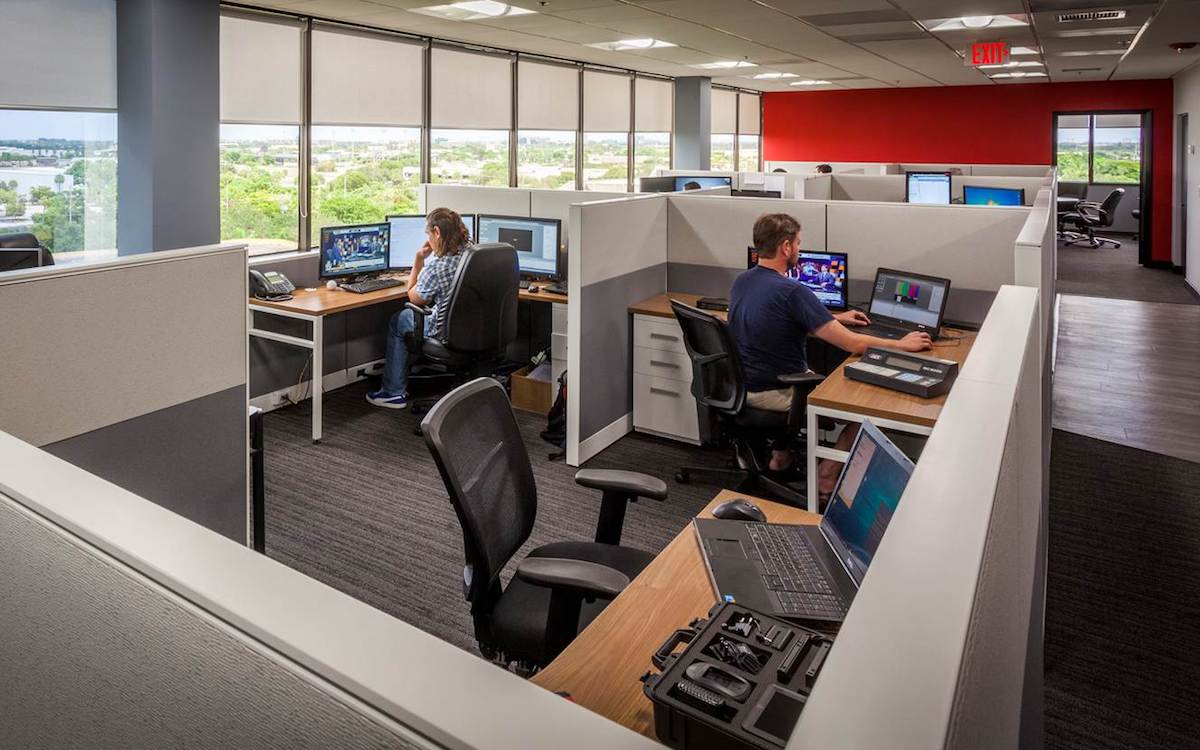 Büro bei AJT Systems (Foto: AJT Systems)