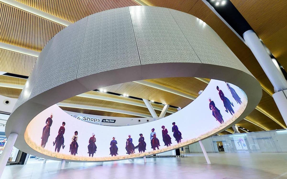 Digitales Kosakenleben in 8K am neuen Airport (Foto: Dataton)