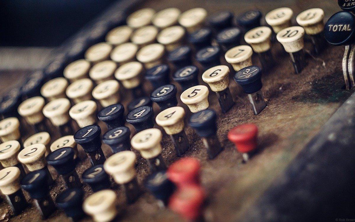 Klingende Kasse bei ZetaDisplay – Symbolbild (Foto: Pixabay / robbrownaustralia)