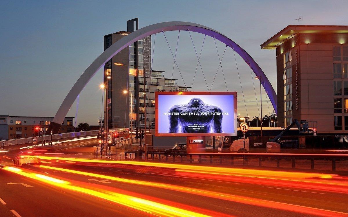 Roadside LED Screenv on Forrest Media in Glasgow (Foto: Ocean Outdoor)