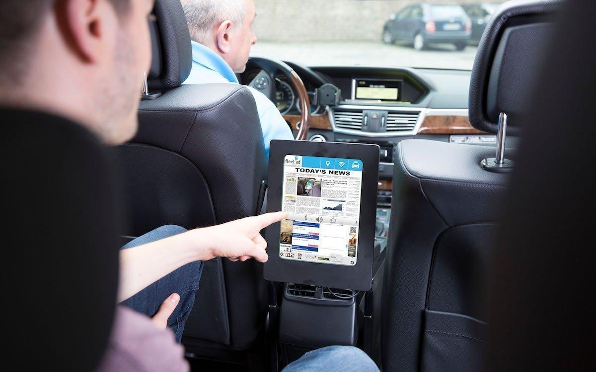 Taxi mit Tablet von fleet ad (Foto: fleet ad)