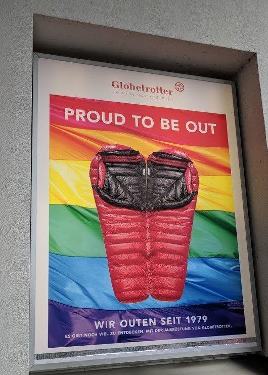 Kreative CSD-Werbung von Globetrotter München (Foto: invidis)