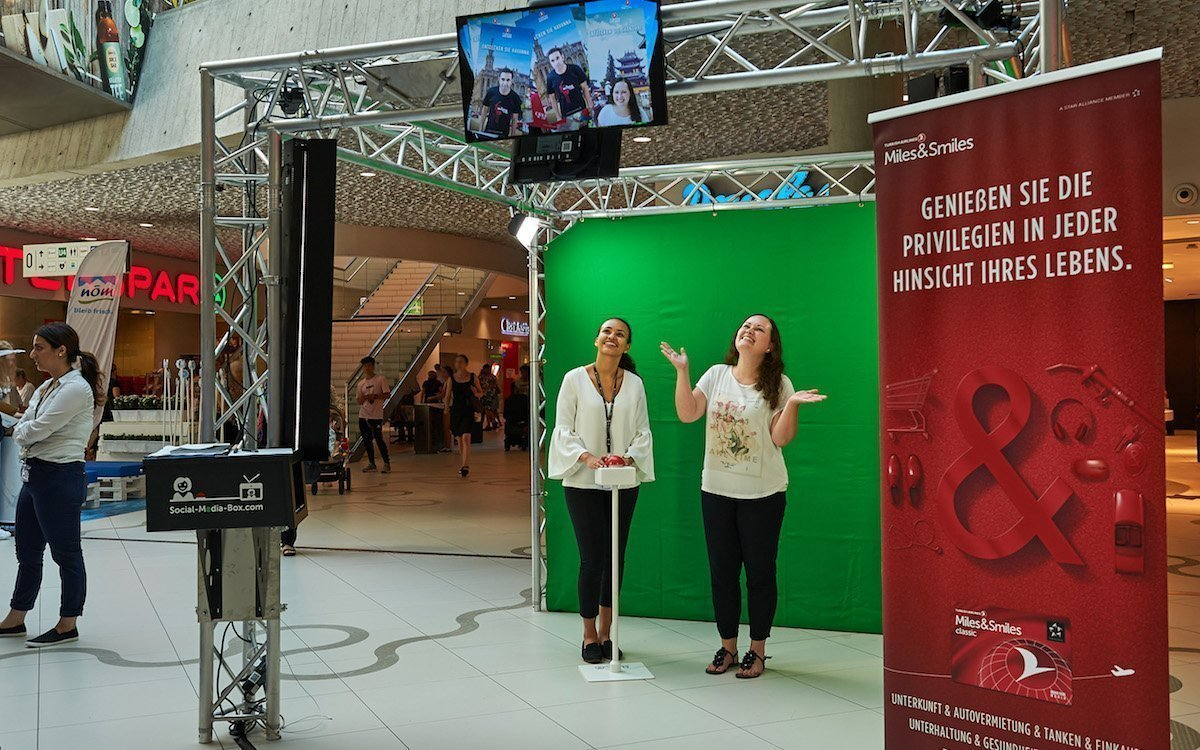 Am Promotion-Stand in der Mall konnten die Nutzer ihre Selfies machen (Foto: Gewista)