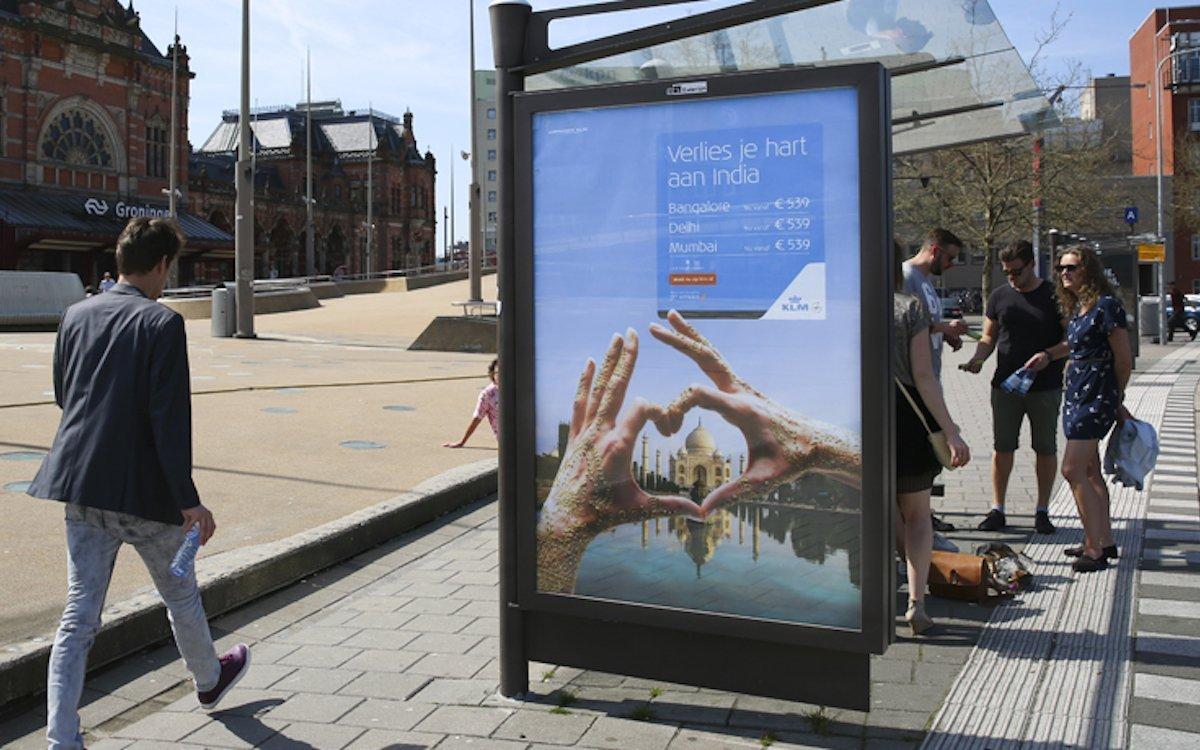 Außenwerbung an einem Bus-Wartehäuschen in Groningen (Foto: Exterion Media)