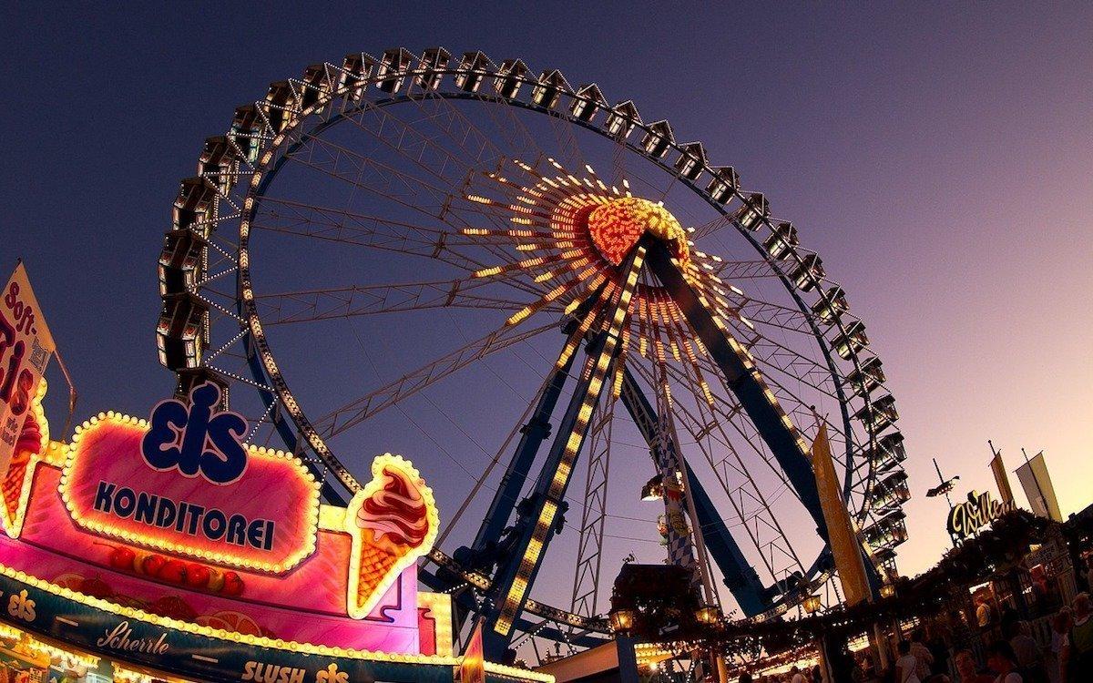 Riesenrad auf dem Oktoberfest (Foto: Pixabay / MoreLight)