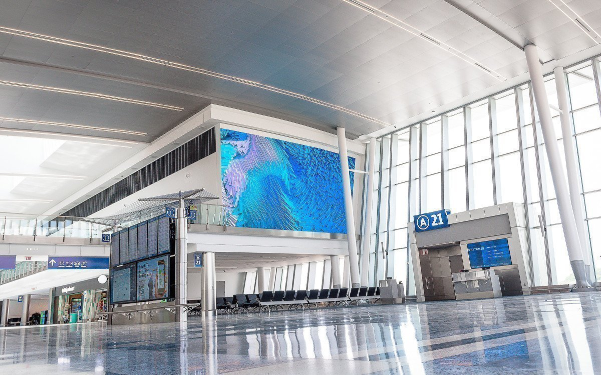 """LED-Videowall """"Interconnected"""" in Charlotte Airport (Foto: : Rich Taylor Photography /CLT Airport)"""