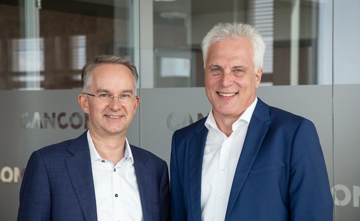 Wachwechsel bei Cancom - Klaus Weinmann übergibt Vorstandsvorsitz an Thomas Volk (Foto: Cancom)