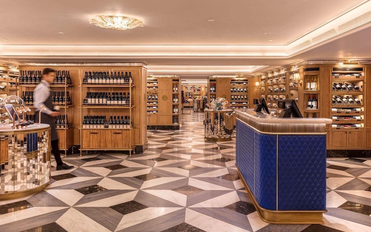 Auf 500 Quadratmetern können 1.400 Wein- und Champagnersorten erworben werden (Foto: Ben Anders; Agentur: One Represents)