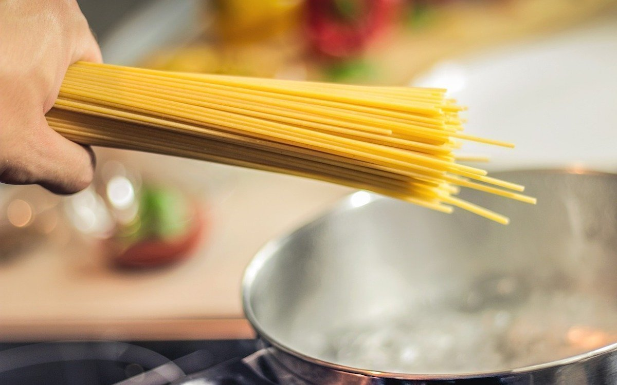 Aufkochen damit es brodelt – Gerüchteküche, Symbolbild (Foto: Pixabay / JESHOOTScom)