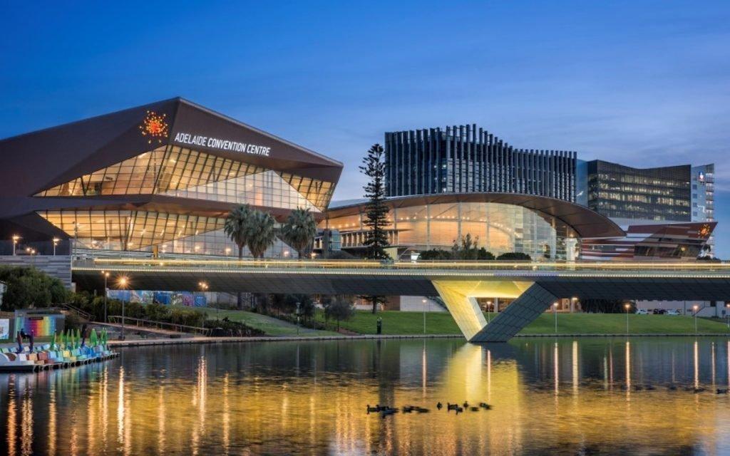 Das Adelaide Convention Centre investierte nun in neue Veranstaltungstechnik (Foto: Christie)