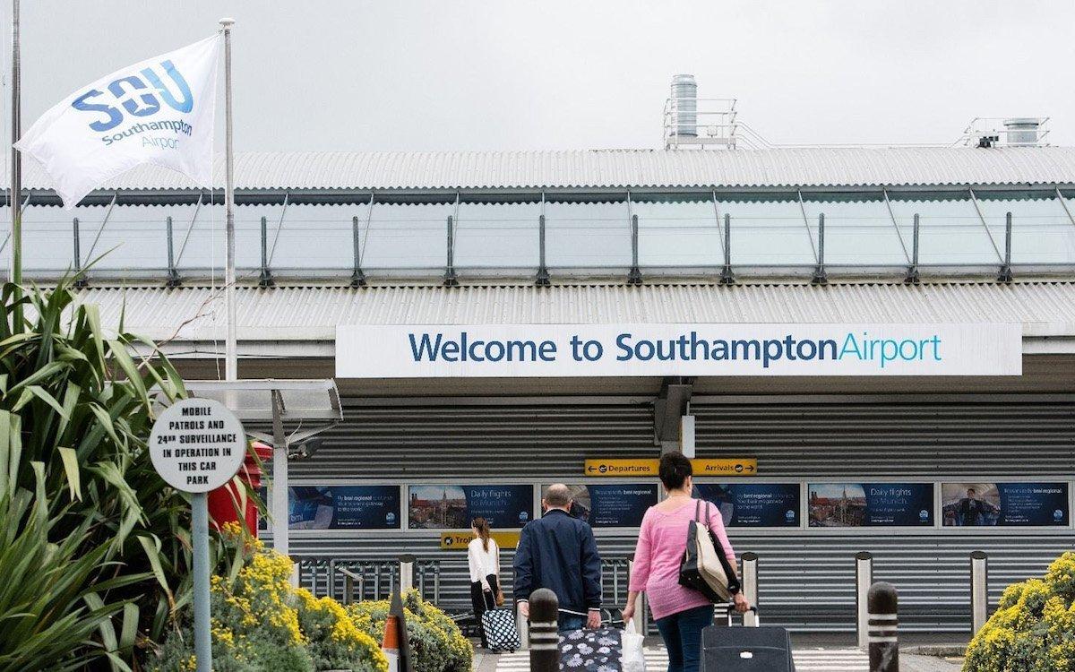 Eingang zum Airport Southampton (Foto: Primesight)