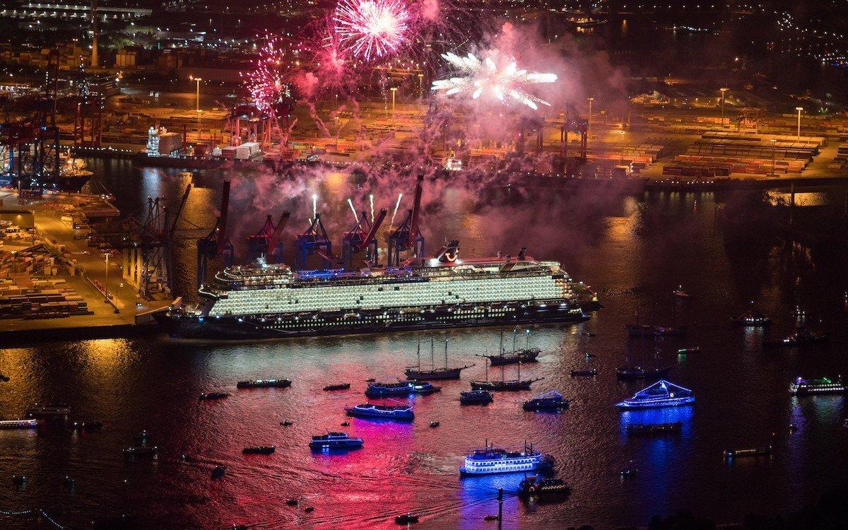 Neues Schiff aus der Flotte von TUI Cruises (Foto: Andreas Vallbracht)