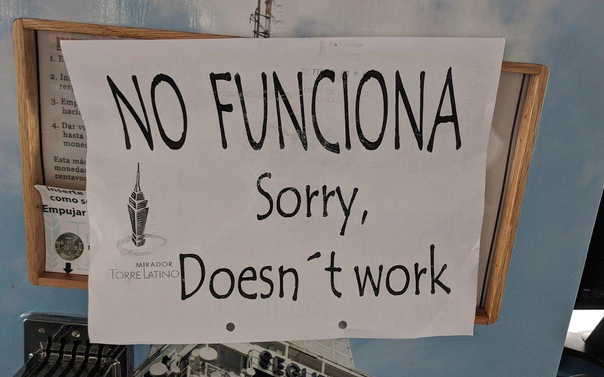Eindeutige Message auf dem Torre Latino in Mexico City (Foto: invidis)