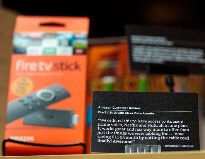 Gedruckte Kundenbewertung Amazon 4-star in NYC (Foto: Jordan Stead/Amazon)