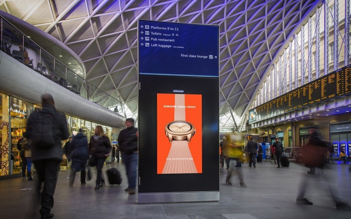 Screen im Digital 6 -Format in Kings Cross Station (Foto: JCDecaux)