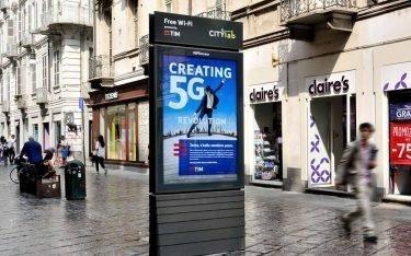 Einer der ersten sieben Screens mit 5G Hotspot in Italien (Foto: IGPDecaux)