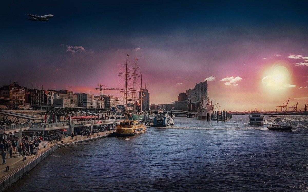 Landungsbrücken und Elbphilharmonie in Hamburg – Symbolbild (Foto: Pixabay / Tabor)