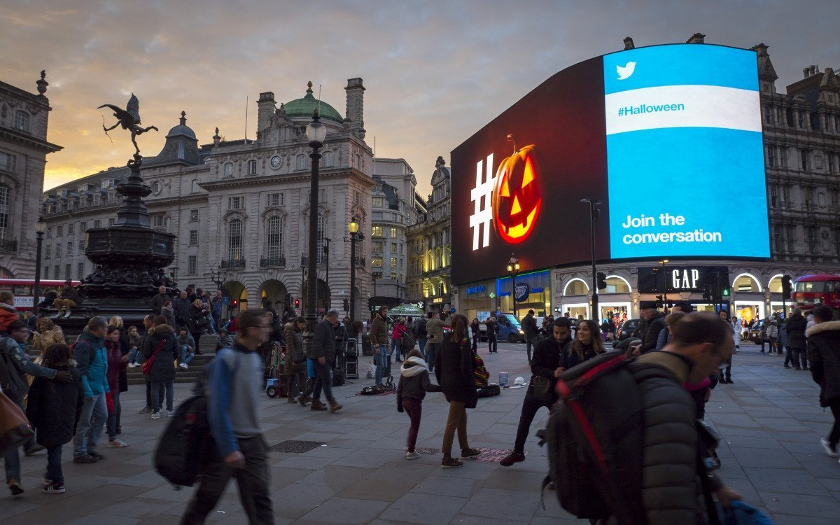 Twitter Live-Kampagne am Piccadilly Light in London (Foto: Ocean Outdoor)