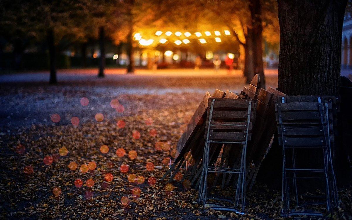 Biergarten im Herbst (Foto: Pixabay)