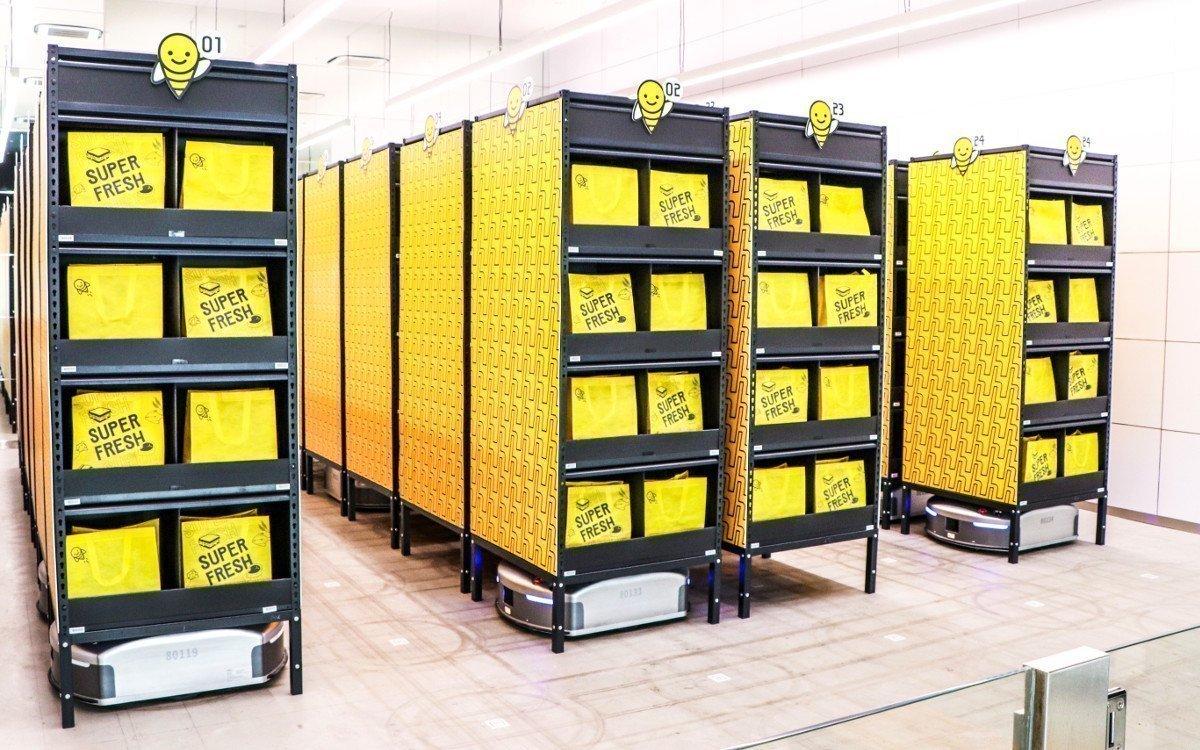 Automatisiertes Zwischenlager der Einkaufstüten (Foto: Honestbee)